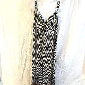 Cable & Gauge Maxi Dress Black White Chevron